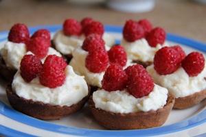 Raspberry custrad-cream tarts