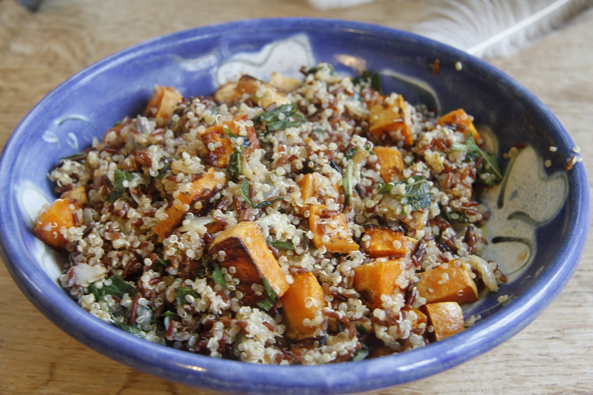 red rice and quinoa recipes dishmaps ottolenghi red rice and quinoa ...