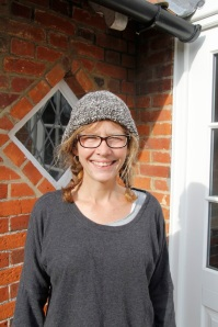 Claire-hat2