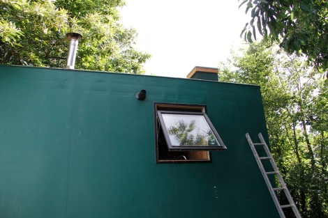 putting the bait box on the roof